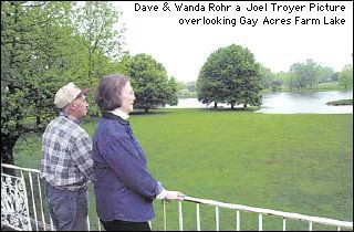 Dave and Wanda Rohr on Balcony